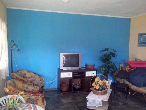 bela casa no bairro jardim diplomata na cidade de itanhaém