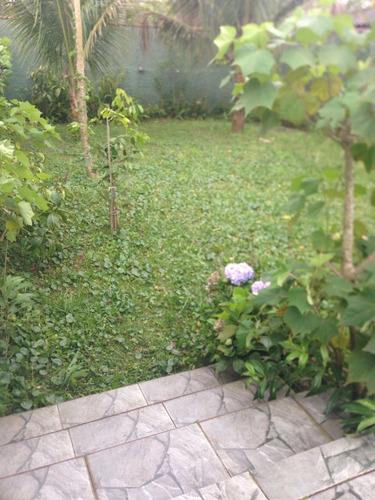 bela casa no jardim jamaica, em itanhaém, ficando lado praia