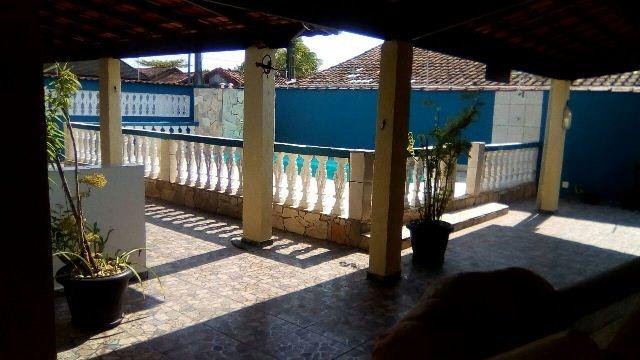 bela casa nova com piscina no jardim regina, em itanhaém
