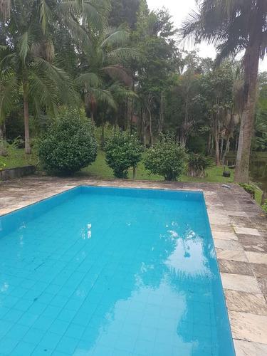 bela chácara em juquitiba com grande lago e ótima piscina