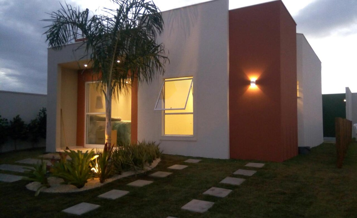 belas casas no cond.camboriú- 3\4(sendo um suíte)