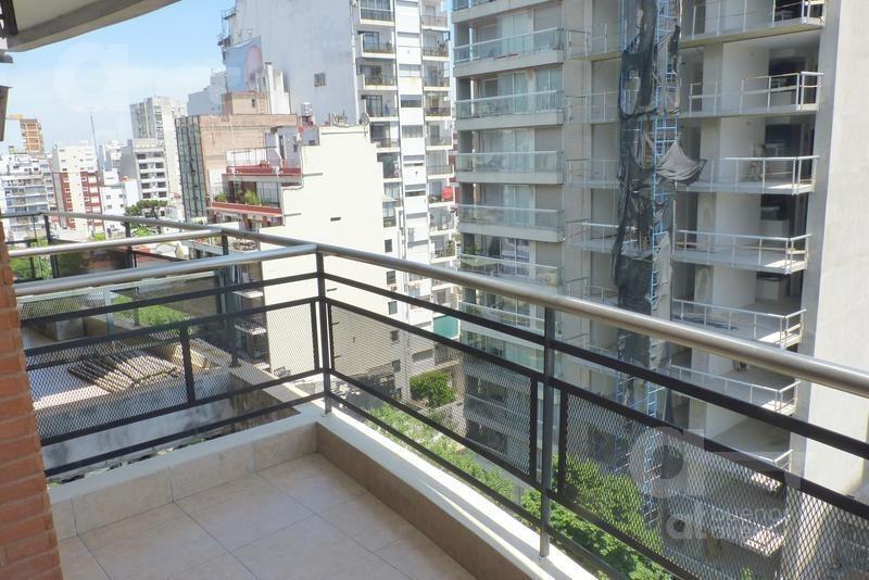 belgrano. departamento 2 ambientes con balcón aterrazado. alquiler temporario sin garantías.