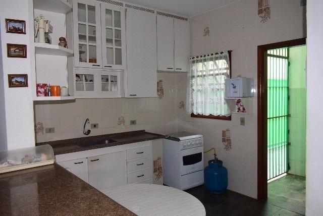 belíssima casa com 3 quartos, lado praia em peruíbe/sp!