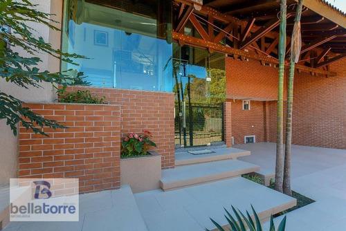 belíssima casa com 400m², rua particular nas mercês,  curitiba. - ca0180