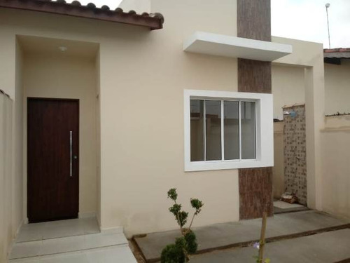 belíssima casa no bairro beira mar 800m do mar - ref 4715