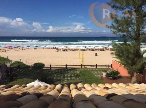 belíssima casa pé na areia, praia de geribá, búzios. para locação por temporada (diária r$ 1.100)  ou anual (mensal r$ 5.000). - ca0346
