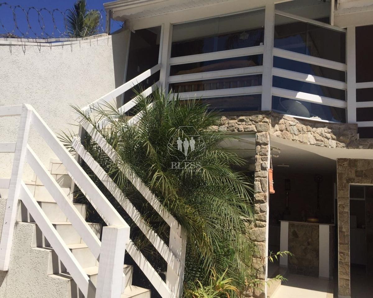 belíssima chácara do bairro rio acima em jundiaí, no condomínio vivenda. chácara com 3 dormitórios 1 suíte 1 closet chácara toda um piso sala - ch00109 - 32702207