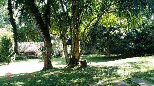 belíssima chácara em bairro com boa localização - ch0047