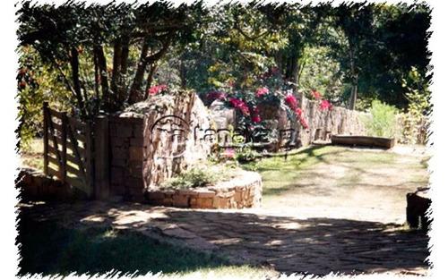 belíssima residencia as margens da represa jaguari