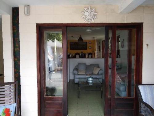 belíssimo imóvel com 04 dormitórios - itanhaém 5966 | p.c.x