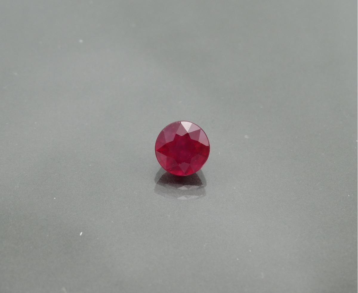 ab14af2568a belíssimo rubi facetado redondo ~ 7 mm - preço unitário. Carregando zoom.