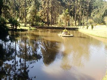 belíssimo sitio em atibaia lago, piscina, quadra futebol.