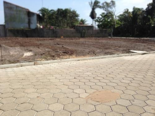 belissimo terreno limpo e aterrado em itanhaém, jd diplomata