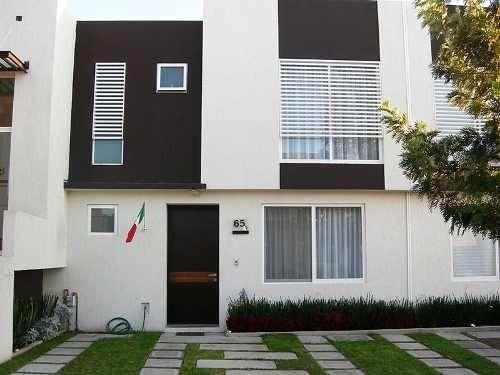 bella casa con tecnología inteligente disfrute la domótica y