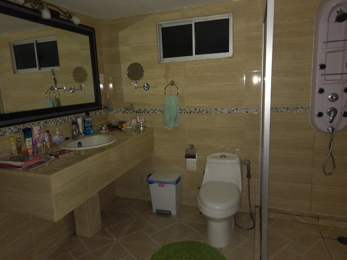 bella casa de 3 dormitorios, 3 baños,