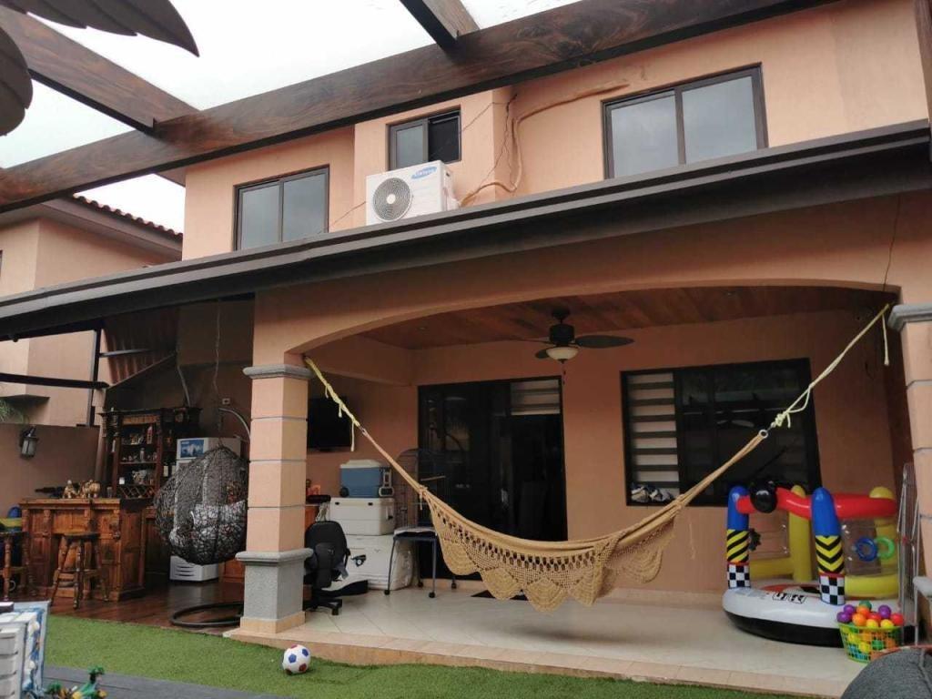 bella casa en venta en versalles panamá cv