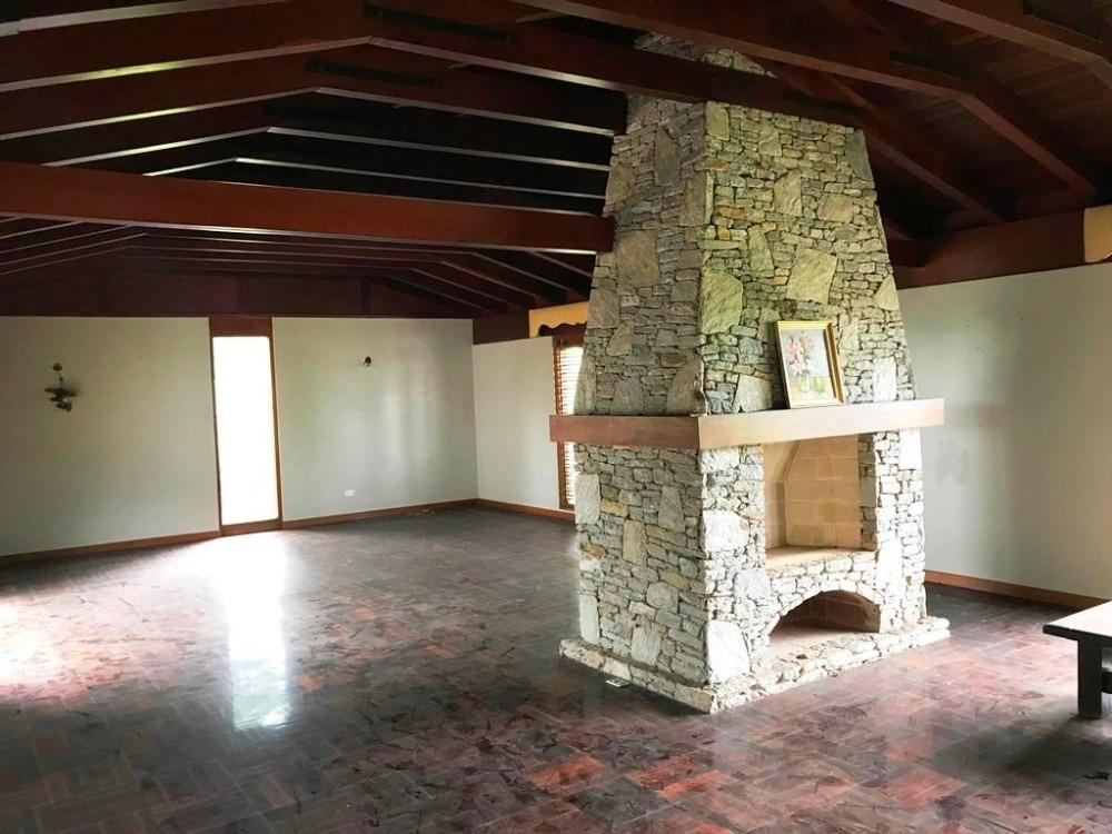 bella, fresca y amplia casa en venta