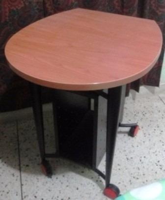 bella mesa multiples usos de  65 x 75 alto 82cm