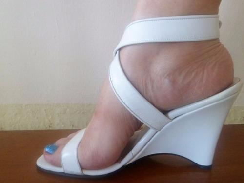 bella sandalia de cuero emmeci blanco talla 39