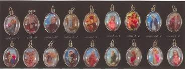 bellas medallas de vírgenes y santos con cadena,fantasía!!!!