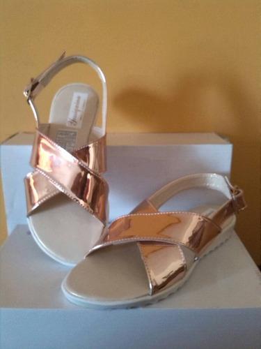 bellas sandalias oro rosa material colombiano mayor y detal