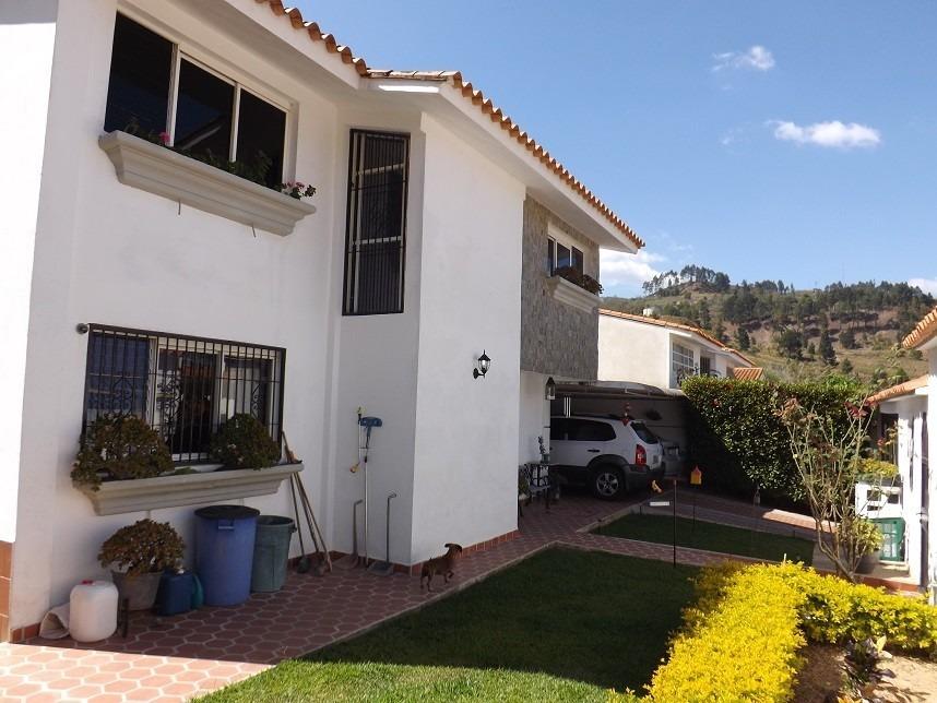 bellisima casa en la urbaización cooperativa guaicaipuro