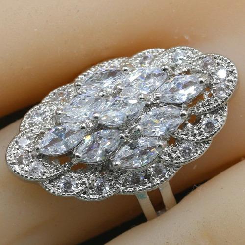 bellísimo anillo cúbico plata ley 925 símil diamantes.
