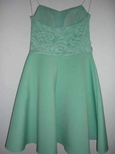 bellísimo vestido color turqueza con cinturon brillante