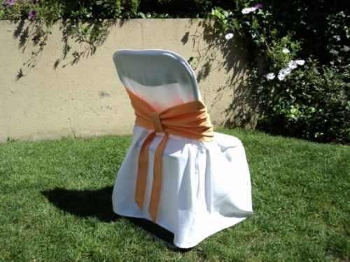 bellísimos cubre sillas con rosetón rebajados