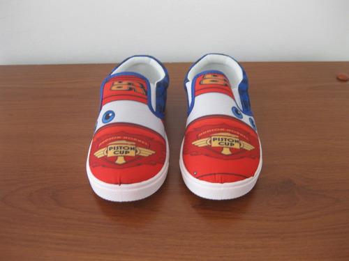 bellisimos zapatos de niño nuevos