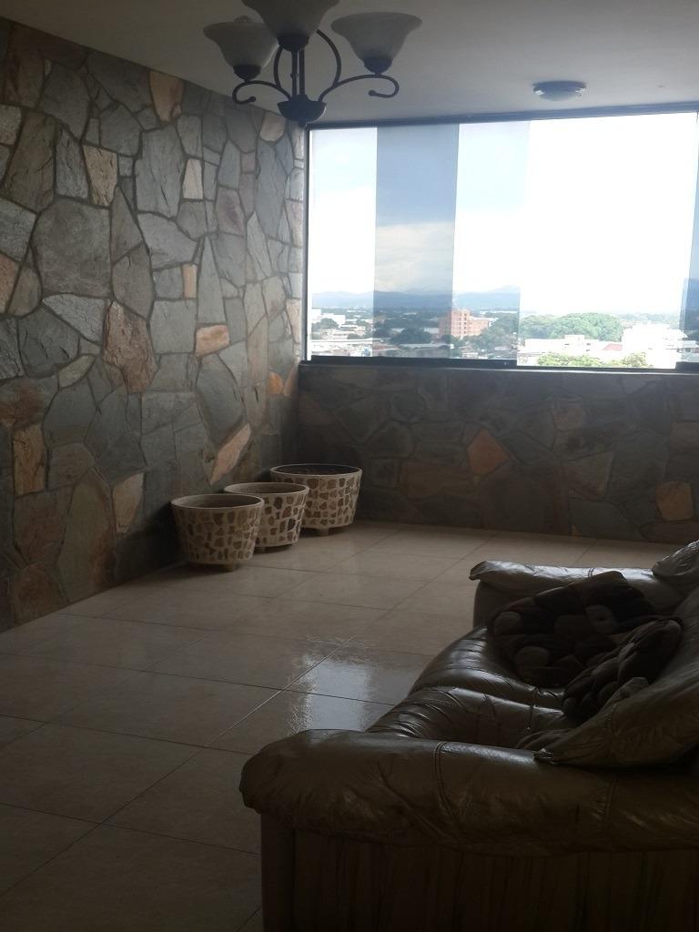 bello apartamento en av. lisandro alvarado, valencia
