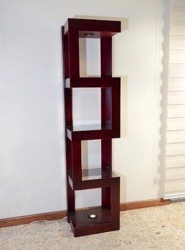 Bello Mueble Esquinero De Madera  Bs 295000,00 en Mercado Libre