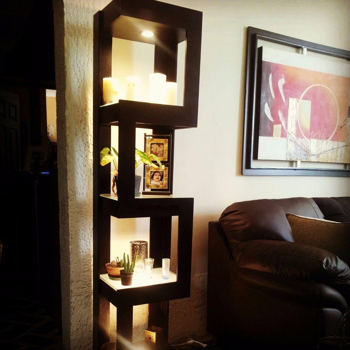 Bello mueble esquinero de madera bs en for Mueble zapatero esquinero
