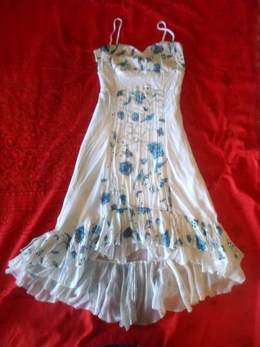 bello vestido asimetrico