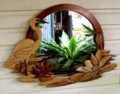 Bellos espejos de flores o aves tallados a mano 180 for Disenos de espejos tallados en madera