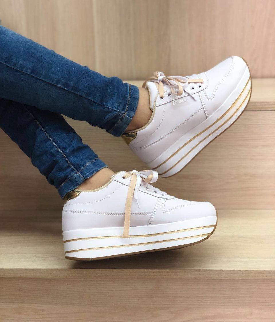 2017 nueva moda de la mariposa bordada blanco zapatos de