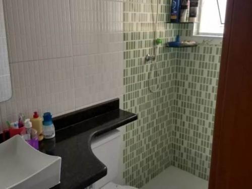 belo apartamento com 2 dormitórios em itanhaém