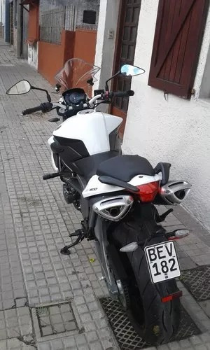 benelli bn600i....nueva, flamante!!! ,vendo 3.700 kms.!!!