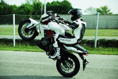 benelli  tnt 300 sport 38hp pirelli bco agrobikes palermo