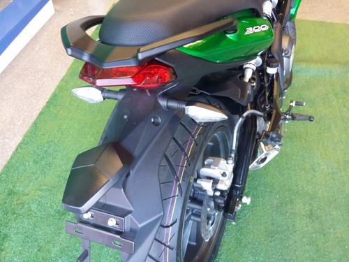 benelli tnt 300 street naked  los 4 colores!!!!
