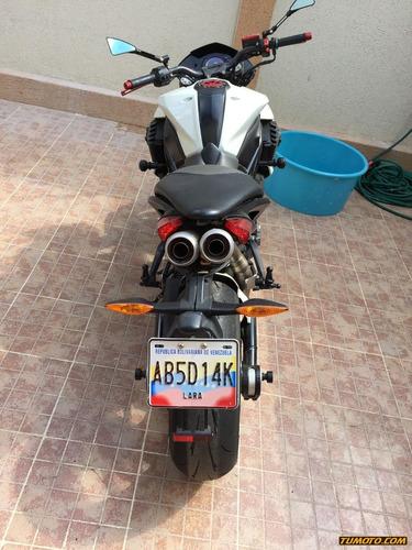 benelli tnt 899 501 cc o más