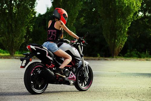 benelli tnt naked motos