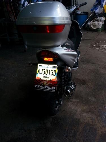 bera scooter runner