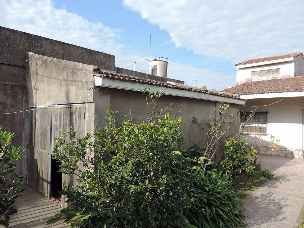 berazategui, casa 3 dormitorios, 2 baños,garage y lote libre