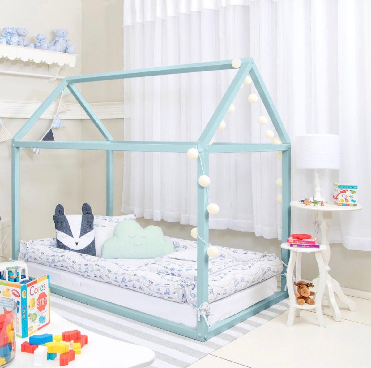 Ber o cama infantil branca em formato de casa r 750 00 for Camas en forma de casa