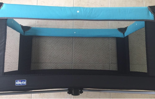 berço portátil desmontável chicco azul e preto, pouco usado