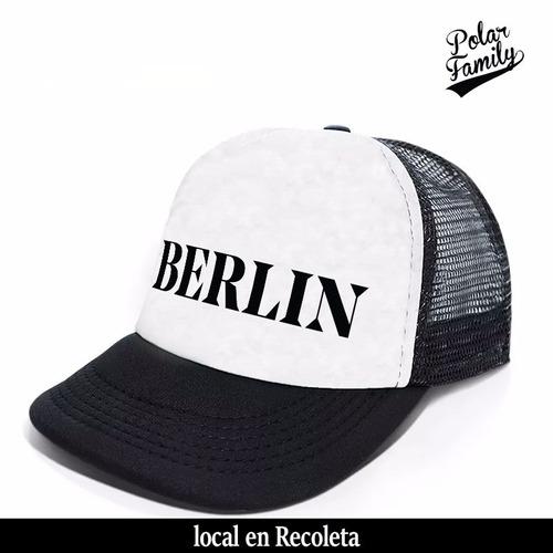 berlin gorra trucker modelo city logo solo en polar family