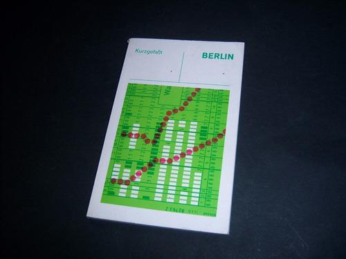 berlin. kurzgefaßt.  en alemán