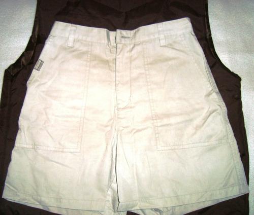 bermuda beige jeanswest y musculosa hilo delicada