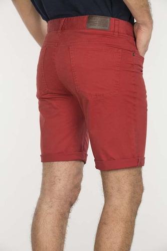bermuda slim gabardina hombre 5 bolsillos rojo devre 17d25